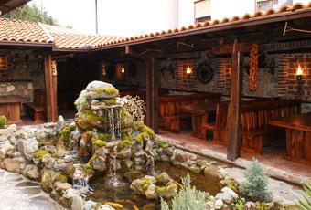 Ресторан Домаќинска Куќа